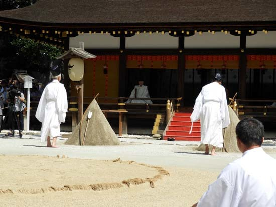 上賀茂神社 重陽の神事_e0048413_13551770.jpg