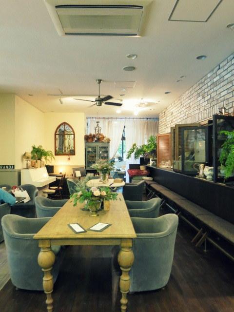 Cafe de VERANDA/ヴェランダ*旧軽に素敵なカフェがまたひとつ♪_f0236260_01250032.jpg