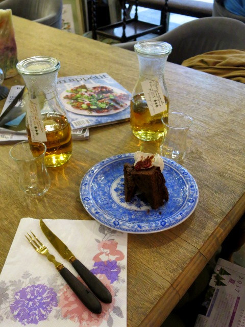 Cafe de VERANDA/ヴェランダ*旧軽に素敵なカフェがまたひとつ♪_f0236260_01451686.jpg