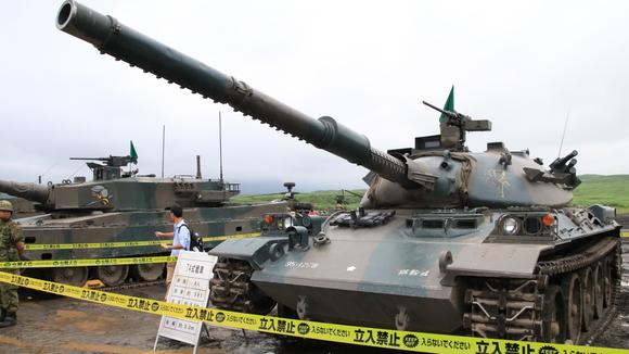 富士総合火力演習 (武器展示)_d0202264_8514722.jpg
