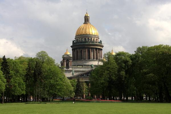帝政ロシアのシンボルとして築かれた世界最大級の豪華な大聖堂_a0113718_16505662.jpg