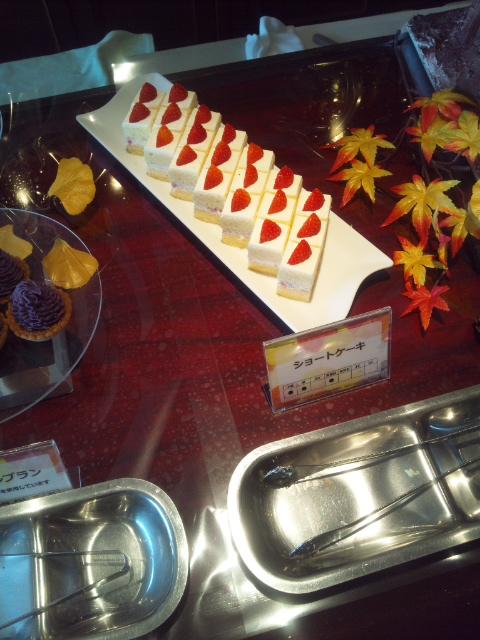 川崎日航ホテル 夜間飛行 ~マロン&さつま芋~秋の収穫スイーツブッフェ_f0076001_22253569.jpg