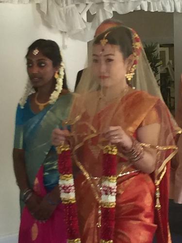 インドの絵画に出てきそうなくらい、美しいお嫁さんでした_e0151619_06251782.jpg