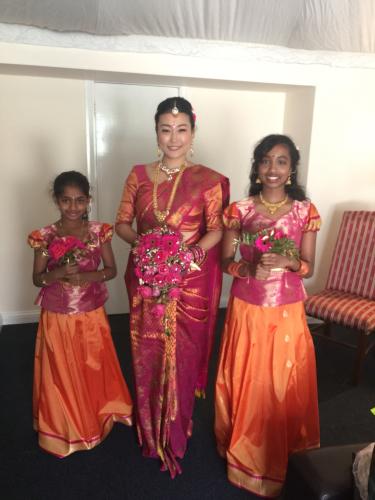 インドの絵画に出てきそうなくらい、美しいお嫁さんでした_e0151619_06300190.jpg