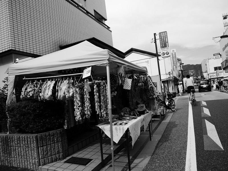 昼下がりの商店街をゆく_e0374932_15542578.jpg
