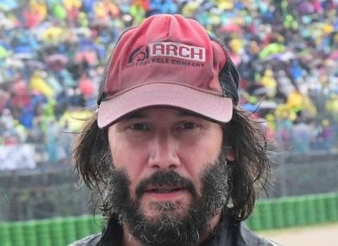 キアヌ・リーブス、Moto GP観戦 (Keanu Reeves a Misano)_e0059574_23413513.jpg