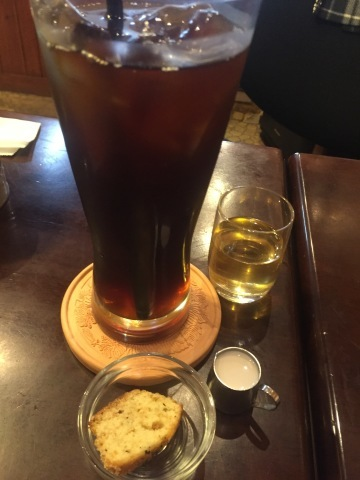 喫茶 1er ぷるみえ (五穀米と鶏そぼろご飯に冷しとろろソース)_e0115904_22433028.jpg
