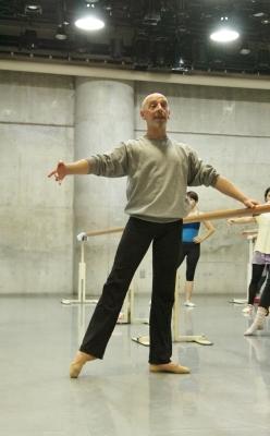 ダンスの基礎を再学習できる「ギーポール」バレエクラス始まる_d0178431_11450353.jpg