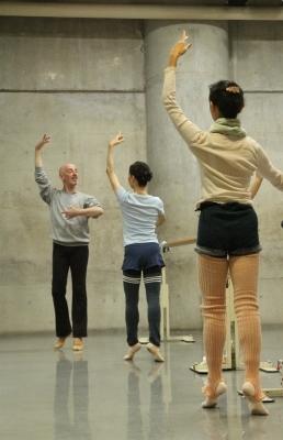 ダンスの基礎を再学習できる「ギーポール」バレエクラス始まる_d0178431_11460143.jpg