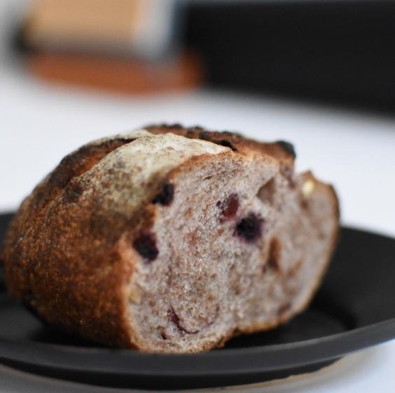 毎週木曜日はパンの日です。_a0325273_17412016.jpg