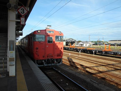 真夏の北日本海鉄道 6 (五能線)_b0005281_21541365.jpg
