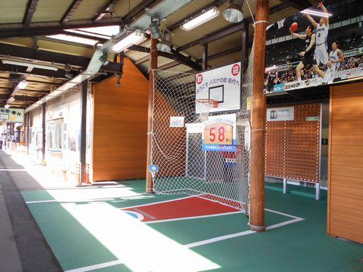 真夏の北日本海鉄道 6 (五能線)_b0005281_21545121.jpg