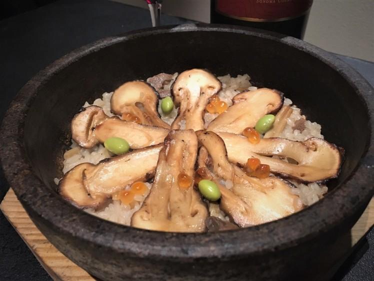 麻布十番「BULLS」大人焼肉ならでは。松茸1本丸ごと使ったビビンパもおススメ。_b0354293_23052095.jpg