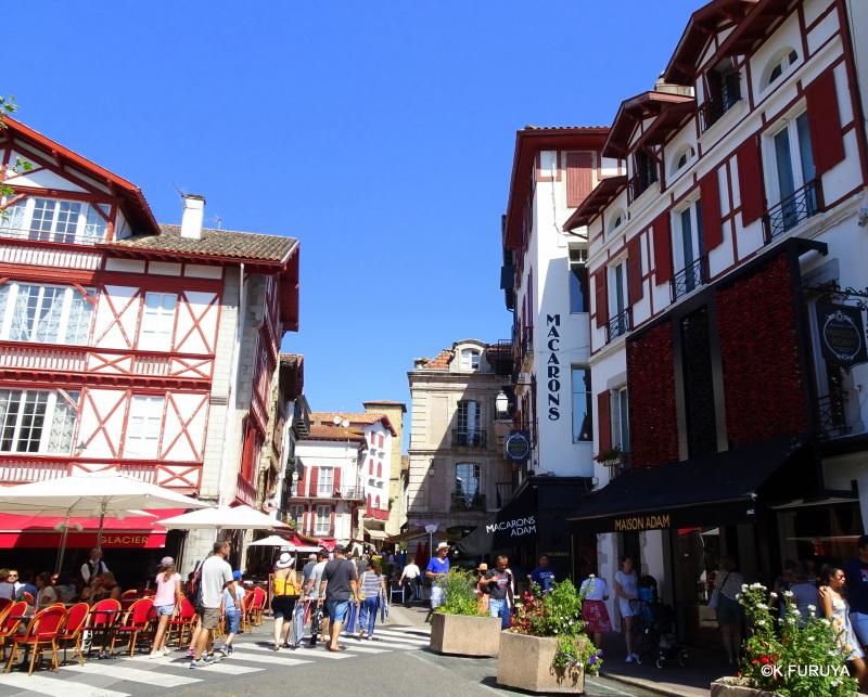 """フレンチバスクの街 """"サン・ジャン・ド・リュズ""""_a0092659_17100445.jpg"""