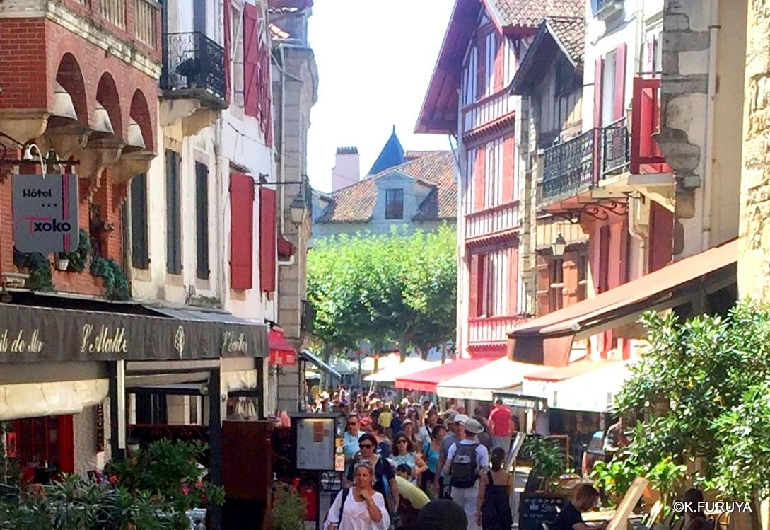 """フレンチバスクの街 """"サン・ジャン・ド・リュズ""""_a0092659_17453520.jpg"""