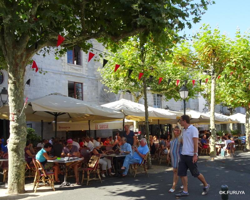 """フレンチバスクの街 """"サン・ジャン・ド・リュズ""""_a0092659_17464684.jpg"""