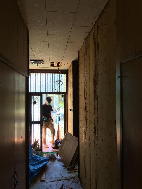 半田山 Yさんの家 屋根改修工事・水廻りのリフォーム ★大工工事、左官工事_d0205883_20271374.jpg