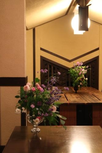 F.L.ライトの建物で花を活ける 「Décoration Florale―デコラシオン フローラル【芸術文化】 水曜 19:00-20:30 *スポット受講可能_c0128489_13555849.jpg