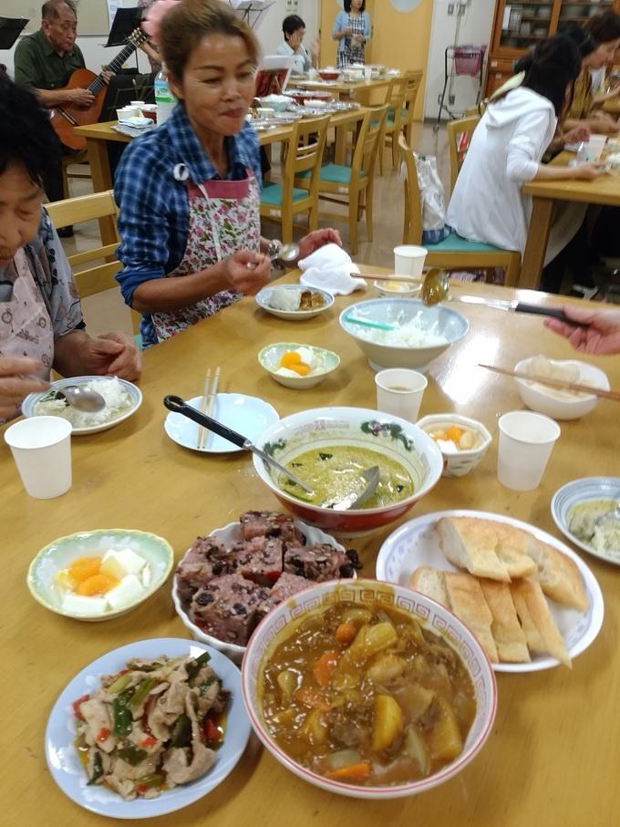 火曜日朝教室 カレーパーティー_e0175020_21284326.jpg