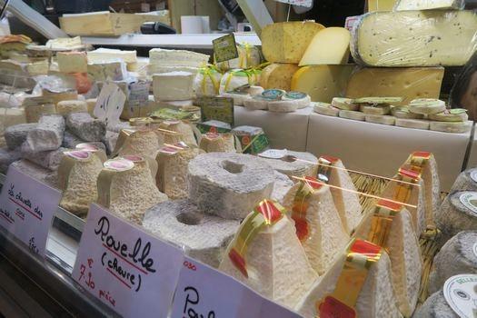 大きなマルシェ ② チーズ屋さん_c0134734_01560129.jpg