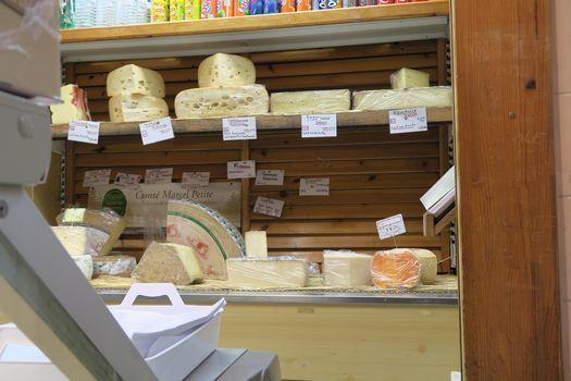 大きなマルシェ ② チーズ屋さん_c0134734_01560817.jpg