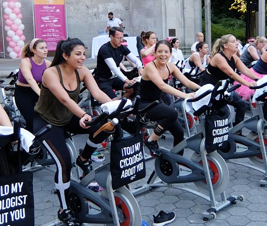 たぶん、NY生まれの新しいフィットネス「ビート・ベイスト・サイクリング」Beat-Based Cycling_b0007805_7523141.jpg