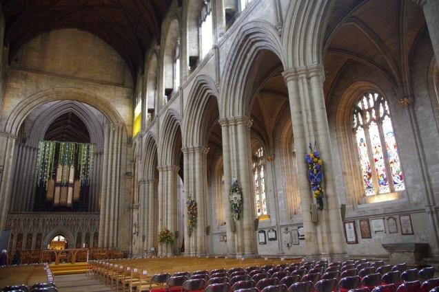 北イングランドの英国ガーデンをめぐる旅その23 マーケットの町リポンとリポン大聖堂、そしてラッパ吹き!(ヨークシャー州)_e0114020_01041361.jpg