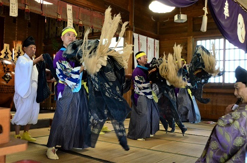 切田八幡神社例大祭 十和田市切田 _c0299631_16051802.jpg