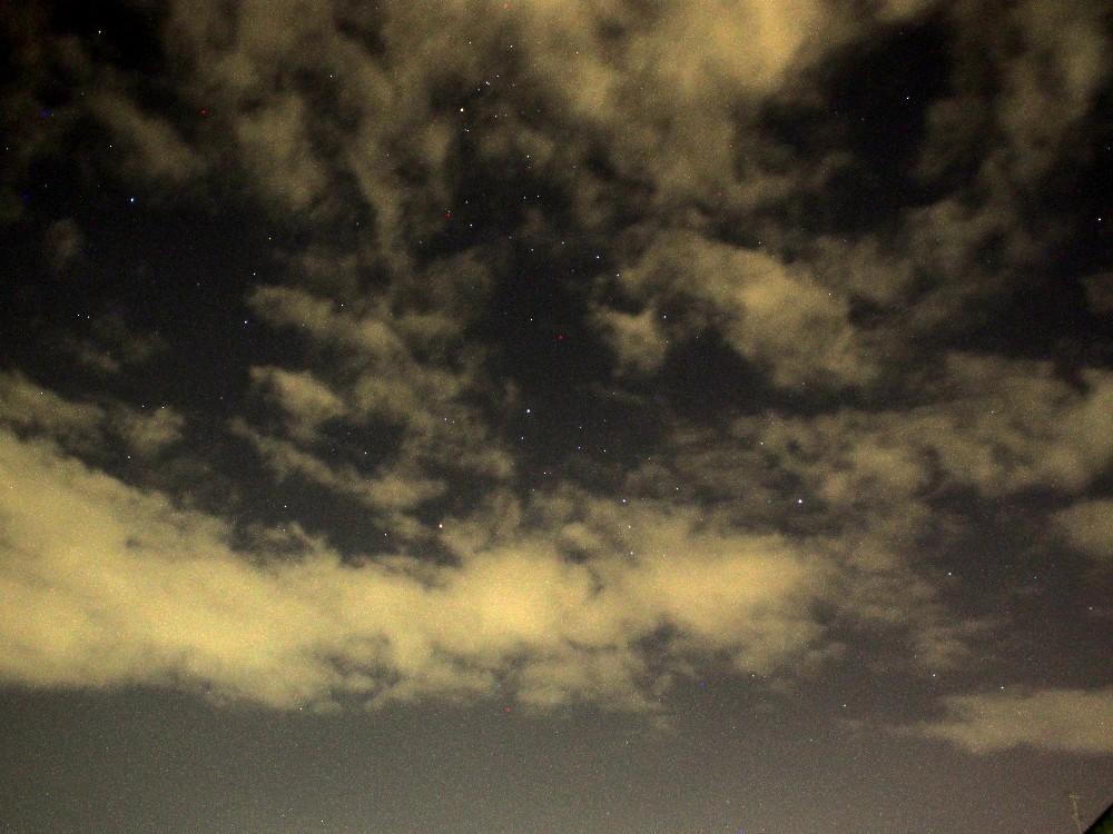 台風去ってやっと星が見えたと思ったがずっと強風域_a0095470_19531923.jpg