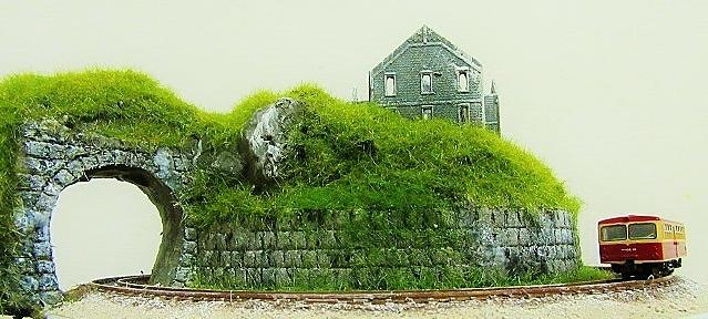 製作中盆ラマ「丘の上の廃墟にて、」_f0227828_20220400.jpg