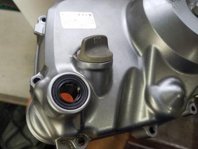 カブ オイル漏れ修理_e0114857_8463328.jpg