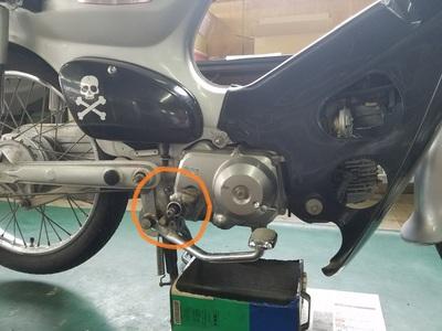 カブ オイル漏れ修理_e0114857_8534919.jpg