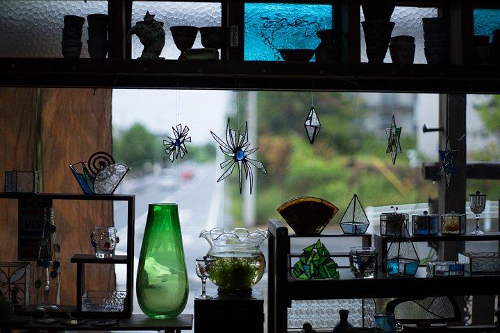 秋雨の窓辺に宿る光蜥蜴_d0353489_21542918.jpg
