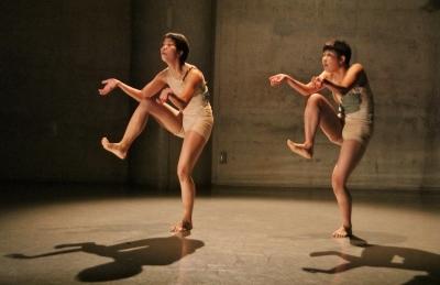 「ダンス花」で創意にあふれた5作品が競演_d0178431_13270973.jpg