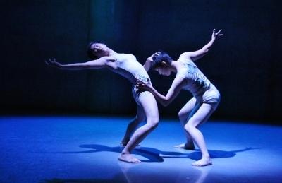 「ダンス花」で創意にあふれた5作品が競演_d0178431_13275073.jpg