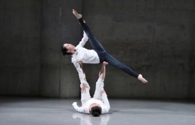「ダンス花」で創意にあふれた5作品が競演_d0178431_13302807.jpg