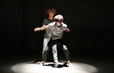「ダンス花」で創意にあふれた5作品が競演_d0178431_13315820.jpg