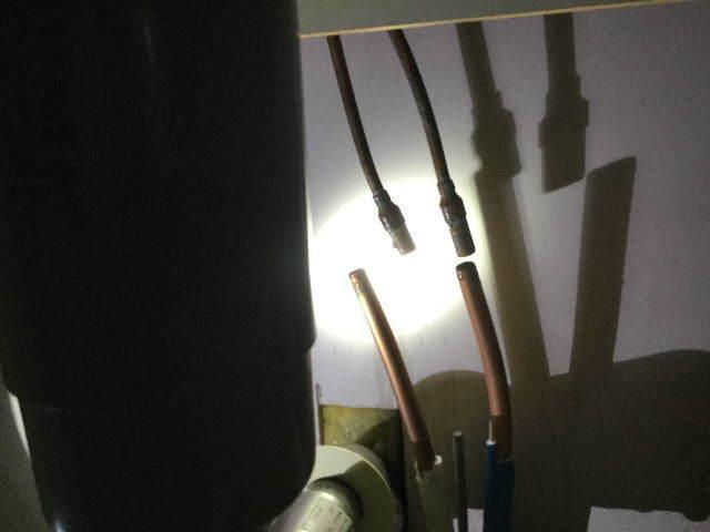 賃貸第一弾  キッチン水栓交換_f0031037_20102607.jpg