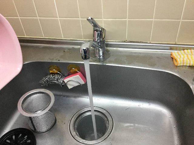 賃貸第一弾  キッチン水栓交換_f0031037_20102613.jpg