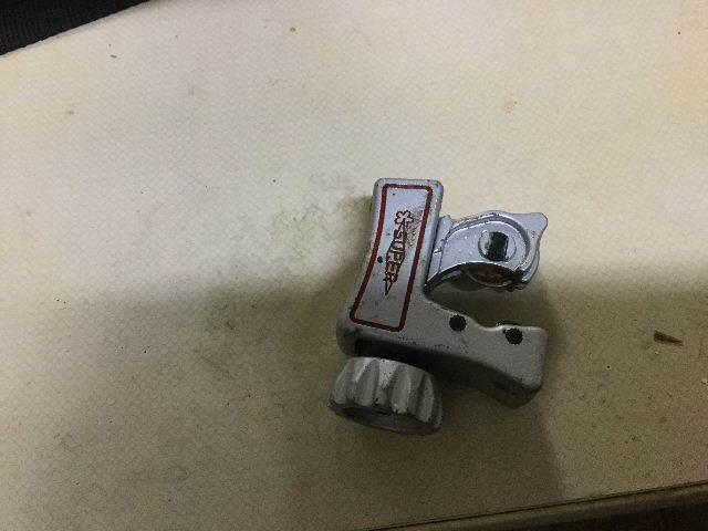 賃貸第一弾  キッチン水栓交換_f0031037_20102647.jpg