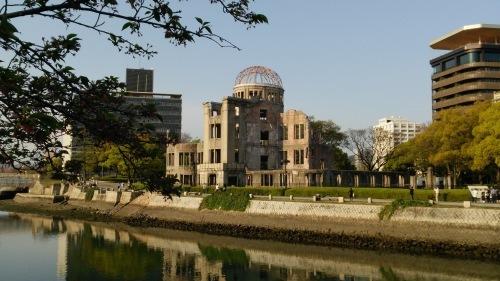 広島平和記念公園にて -平和を愛す―_e0199780_10253126.jpg