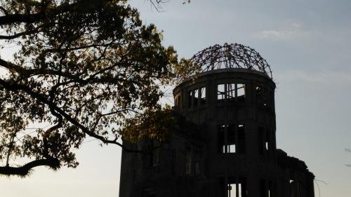広島平和記念公園にて -平和を愛す―_e0199780_10254841.jpg