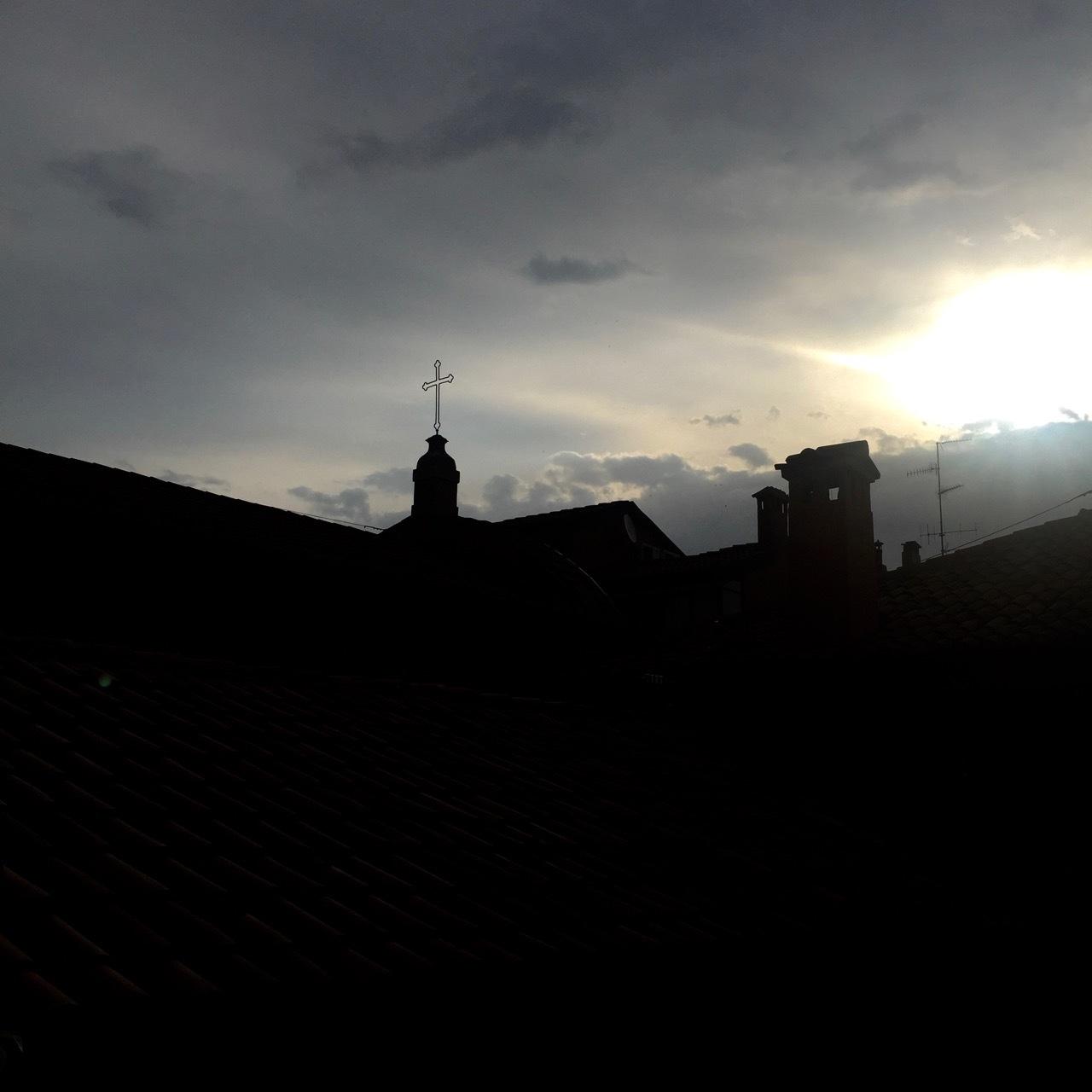 レナード、ならぬ、ボローニャの朝。_f0170995_16530268.jpg