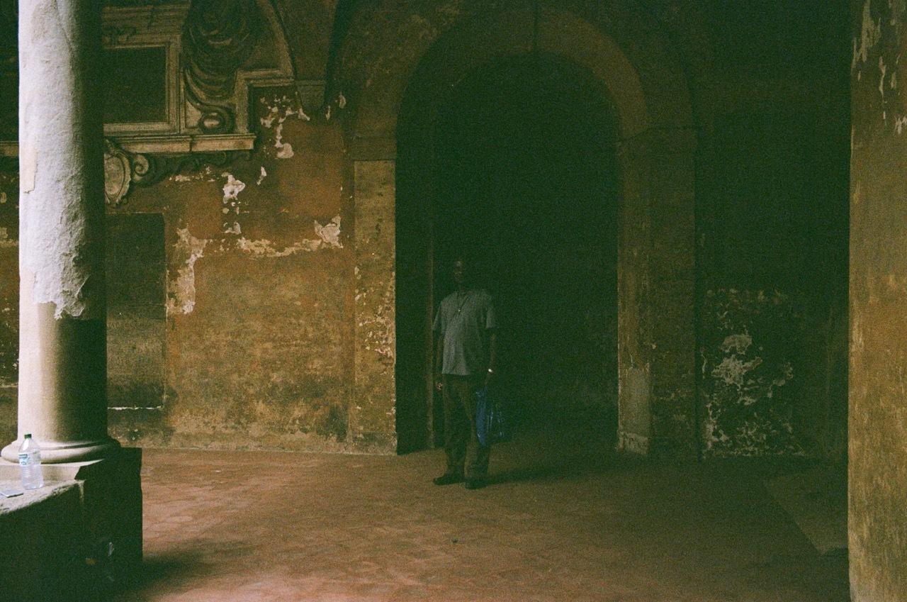 レナード、ならぬ、ボローニャの朝。_f0170995_16531192.jpg