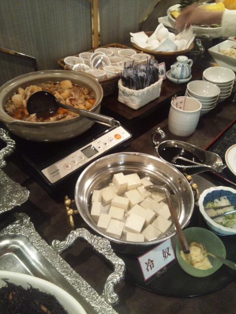 札幌すみれホテル 朝食ブッフェ_f0076001_2345337.jpg