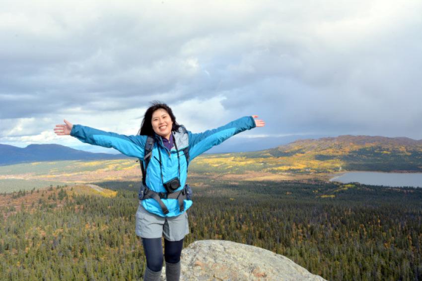 極北の秋 ツンドラ紅葉 フィッシュ レイク ハイキング_d0112928_08130390.jpg
