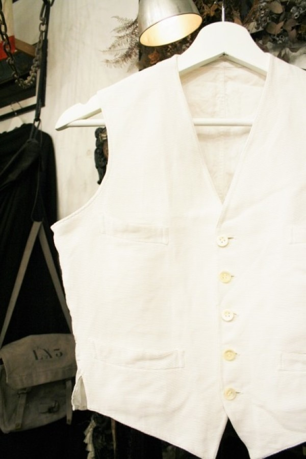 最近の色々 髪型とか猫とかお土産とか (入荷メンズ フランスの古~い白いもの、ちょっと古い白いもの_f0180307_22054503.jpg