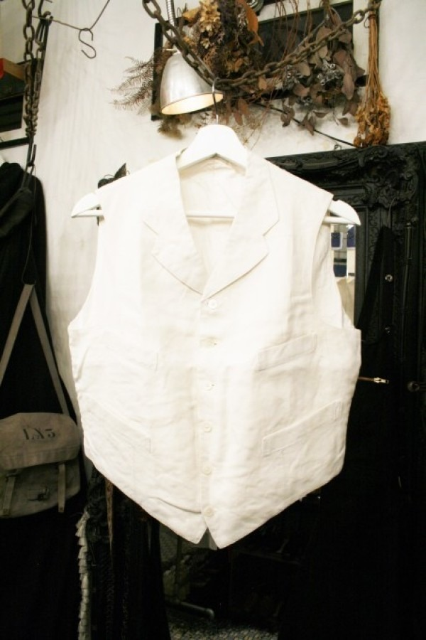 最近の色々 髪型とか猫とかお土産とか (入荷メンズ フランスの古~い白いもの、ちょっと古い白いもの_f0180307_22083369.jpg