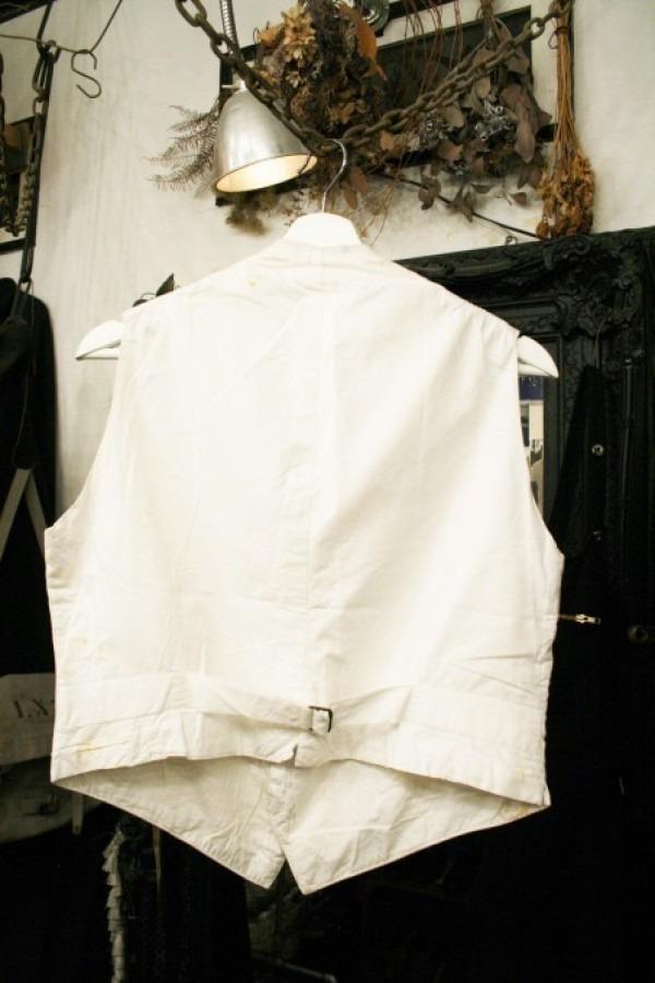 最近の色々 髪型とか猫とかお土産とか (入荷メンズ フランスの古~い白いもの、ちょっと古い白いもの_f0180307_22084069.jpg