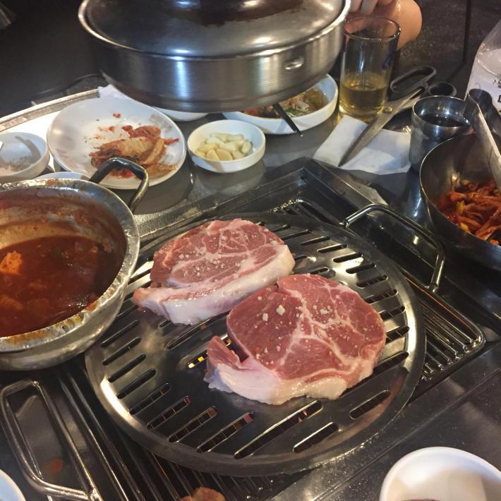 17年8月オフ会ソウル 13☆お肉のために再集合「新沙洞練炭工場」_d0285416_19163839.jpg
